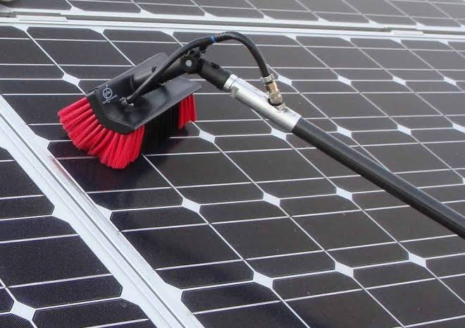 How To Clean Solar Panels (Easy Cleaning Guide)