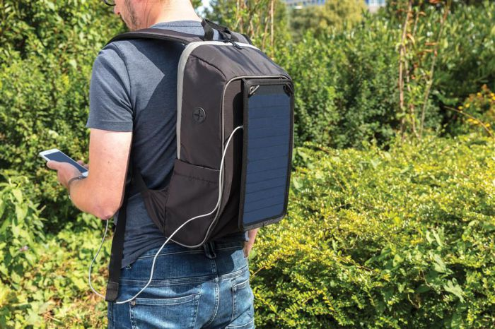 thinfilm-solar-panel-on-back-pack